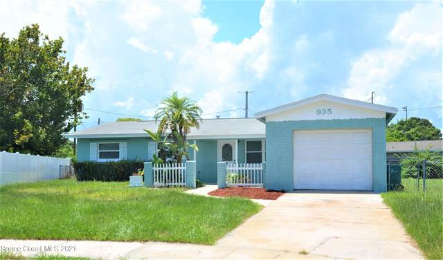 935 S Courtenay Parkway, Merritt Island, FL 32952 (MLS #901167) :: Premium Properties Real Estate Services