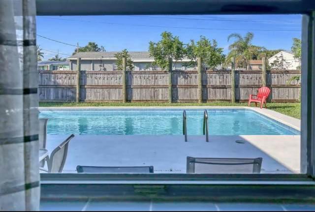 113 SE 1st Street, Satellite Beach, FL 32937 (MLS #901970) :: Premium Properties Real Estate Services