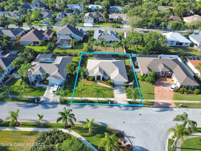 197 Cove Loop Drive, Merritt Island, FL 32953 (MLS #902120) :: Premium Properties Real Estate Services