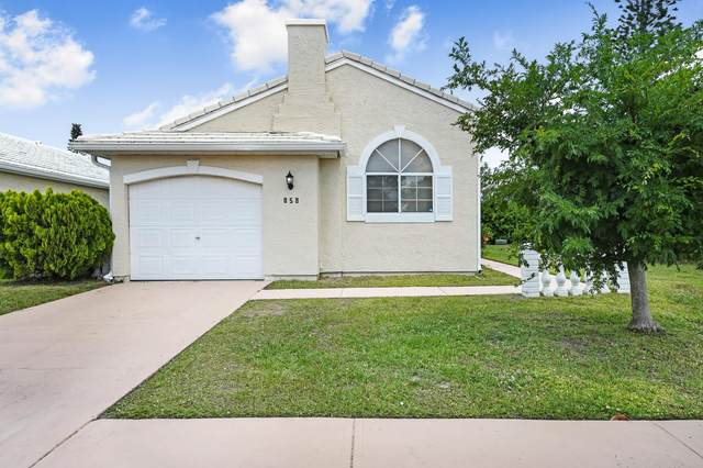 858 Wateroak Drive NE, Palm Bay, FL 32905 (MLS #902179) :: Blue Marlin Real Estate