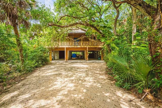 104 Seagrape Road, Melbourne Beach, FL 32951 (MLS #902213) :: Premium Properties Real Estate Services