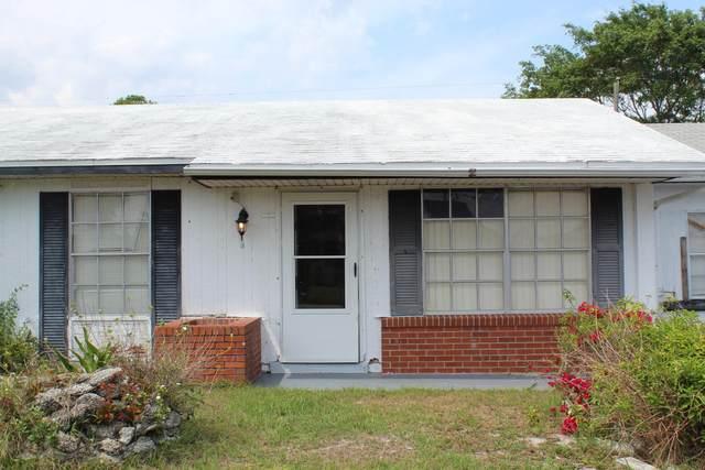 3235 Edgewood Drive NE, Palm Bay, FL 32905 (MLS #902349) :: Blue Marlin Real Estate