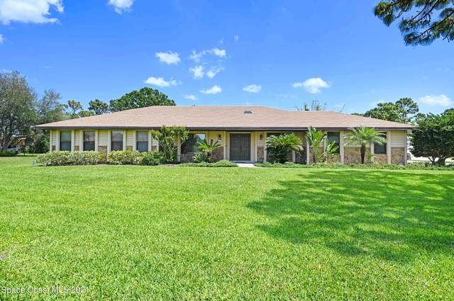 2359 Treetop Court, Melbourne, FL 32934 (MLS #902401) :: Premium Properties Real Estate Services