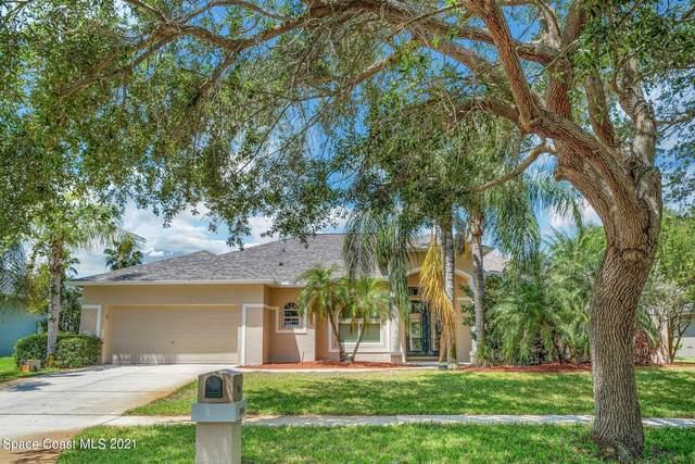864 Woodbine Drive, Merritt Island, FL 32952 (MLS #902482) :: Premium Properties Real Estate Services