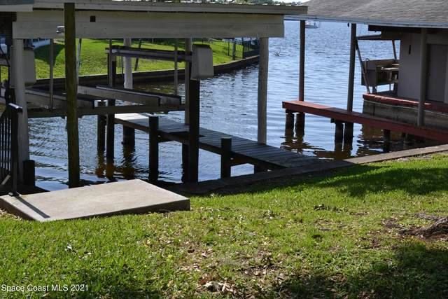 9816 Riverview Drive, Sebastian, FL 32976 (MLS #902532) :: Blue Marlin Real Estate