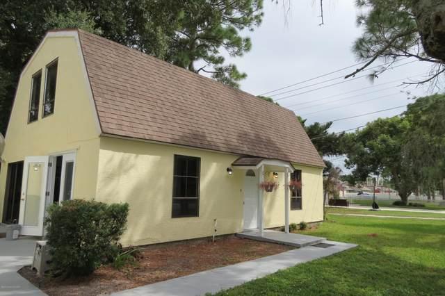 1760 Newfound Harbor Drive, Merritt Island, FL 32952 (MLS #903006) :: Premium Properties Real Estate Services