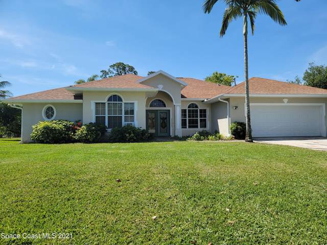 1801 Fowler Drive, Merritt Island, FL 32952 (MLS #903065) :: Premium Properties Real Estate Services