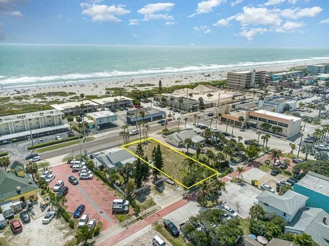 118 N Atlantic Avenue, Cocoa Beach, FL 32931 (MLS #903234) :: New Home Partners