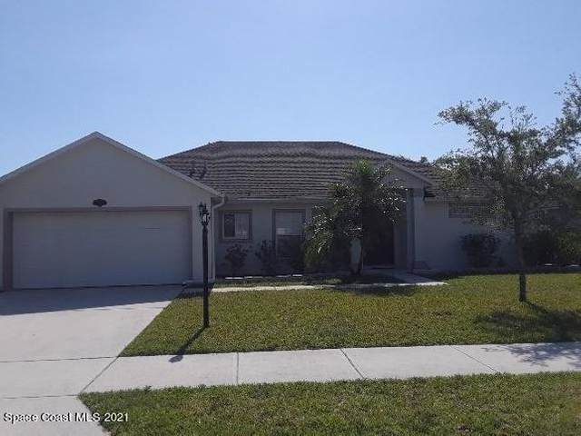 2033 Gloria Circle, Palm Bay, FL 32905 (MLS #903478) :: Premium Properties Real Estate Services