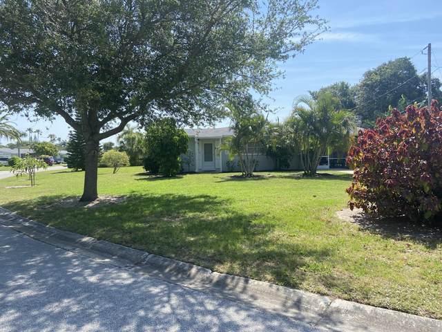 8808 Seashell Lane, Cape Canaveral, FL 32920 (MLS #904023) :: Premium Properties Real Estate Services
