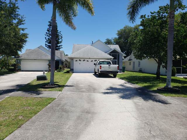 2239 Breezy Circle, Melbourne, FL 32935 (MLS #904472) :: Blue Marlin Real Estate