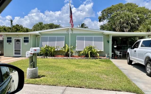 162 Woodland Avenue, Cocoa Beach, FL 32931 (MLS #904475) :: Premier Home Experts