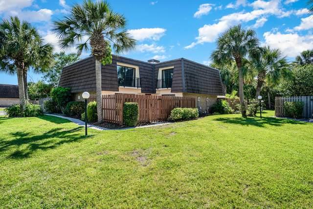 1917 Vista Oaks Circle NE, Palm Bay, FL 32905 (MLS #904535) :: Premium Properties Real Estate Services