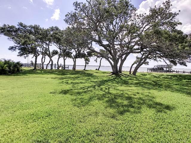 2898 Newfound Harbor Drive, Merritt Island, FL 32952 (#904662) :: The Reynolds Team | Compass