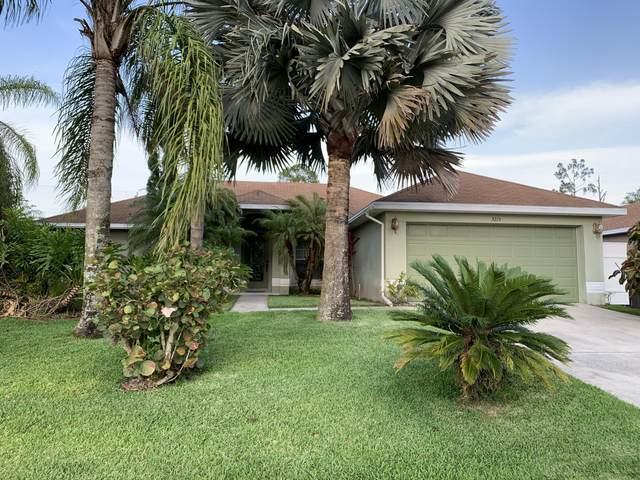 3215 Torrence Avenue SE, Palm Bay, FL 32909 (MLS #904666) :: New Home Partners