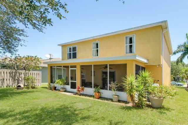 2022 Sorento Circle, Melbourne, FL 32904 (MLS #905086) :: Armel Real Estate
