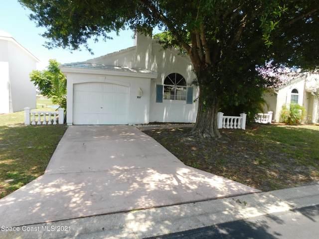 987 Wateroak Drive NE, Palm Bay, FL 32905 (MLS #905142) :: Premium Properties Real Estate Services