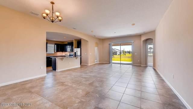 292 Wading Bird Circle SW, Palm Bay, FL 32908 (MLS #905331) :: Blue Marlin Real Estate