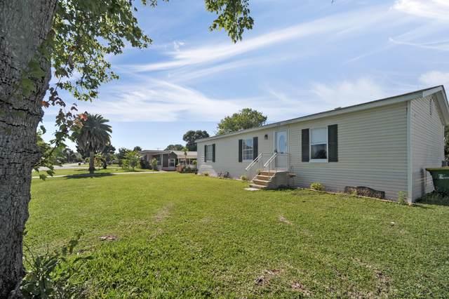 350 Saint Charles Avenue, Merritt Island, FL 32953 (MLS #905395) :: Premium Properties Real Estate Services