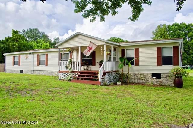 1985 Apache Court, Titusville, FL 32796 (MLS #906676) :: Premium Properties Real Estate Services