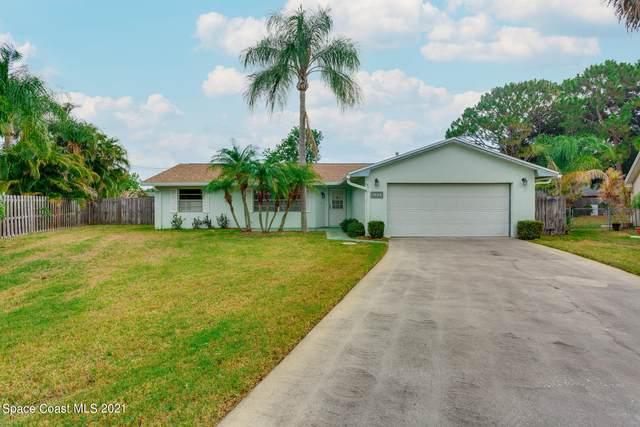 3327 Jay Tee Drive, Melbourne, FL 32901 (MLS #907217) :: Premium Properties Real Estate Services