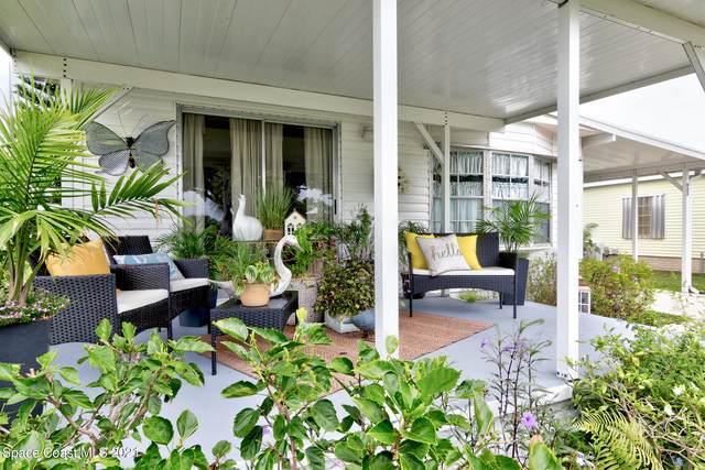922 Barefoot Boulevard, Sebastian, FL 32976 (MLS #908508) :: Armel Real Estate