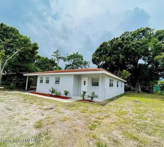 2419 Clearlake Road, Cocoa, FL 32922 (MLS #908608) :: Blue Marlin Real Estate