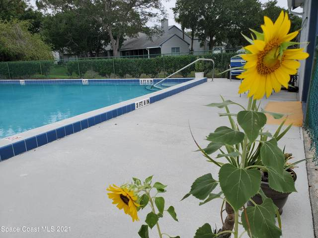 4800 Lake Waterford Way W, Melbourne, FL 32901 (#909430) :: The Reynolds Team | Compass