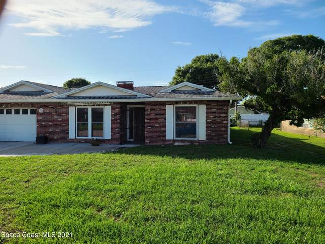 1725 Country Club Drive, Titusville, FL 32780 (MLS #909843) :: Blue Marlin Real Estate
