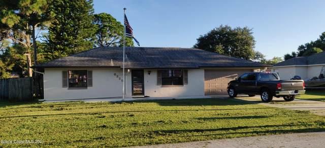 6225 Gayle Drive, Cocoa, FL 32927 (MLS #913694) :: Vacasa Real Estate