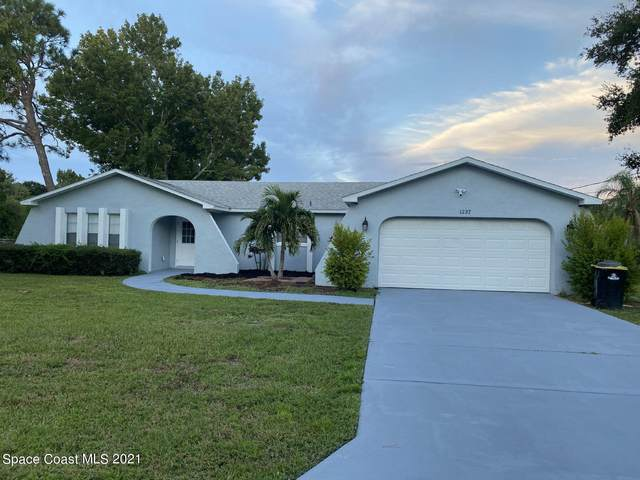 1237 Glenham Drive NE, Palm Bay, FL 32905 (MLS #915697) :: Blue Marlin Real Estate