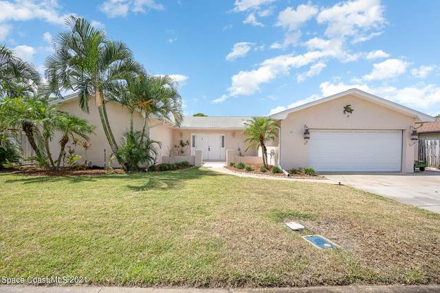 17 Colonial Drive, Cocoa Beach, FL 32931 (MLS #917245) :: Premium Properties Real Estate Services