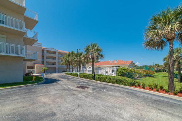 125 Pulsipher Avenue #201, Cocoa Beach, FL 32931 (MLS #812073) :: Premium Properties Real Estate Services