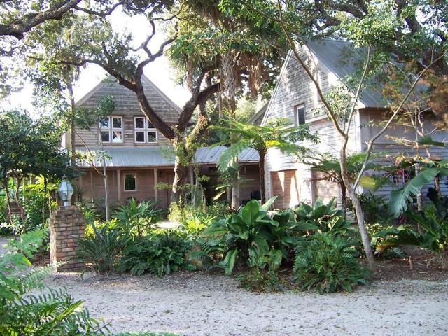 117 Seagrape Road Road, Melbourne Beach, FL 32951 (MLS #822183) :: Coldwell Banker Realty