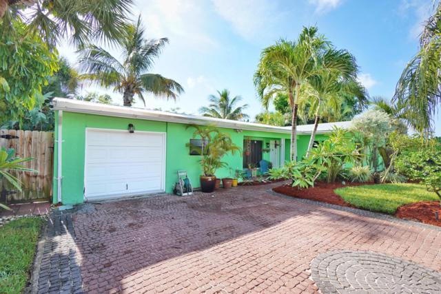 371 Cedar Avenue, Cocoa Beach, FL 32931 (MLS #851712) :: Blue Marlin Real Estate