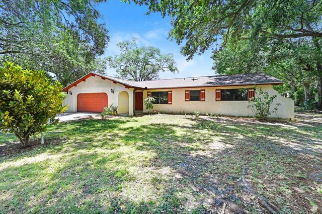 6050 Mangrove Street, Mims, FL 32754 (MLS #869288) :: Coldwell Banker Realty