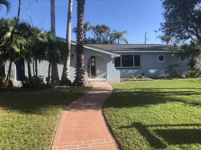 374 W Osceola Lane, Cocoa Beach, FL 32931 (MLS #870450) :: Blue Marlin Real Estate