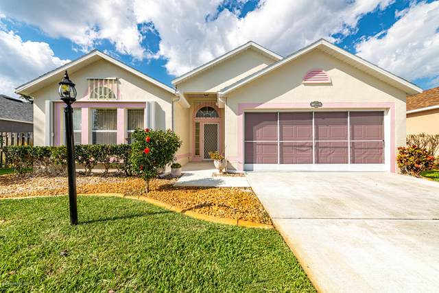 1620 Vista Lake Circle, Melbourne, FL 32904 (MLS #871755) :: Blue Marlin Real Estate
