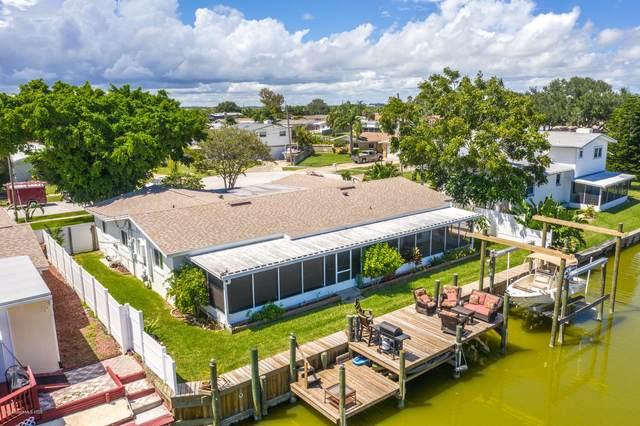 1570 Salmon Street, Merritt Island, FL 32952 (MLS #885092) :: Coldwell Banker Realty