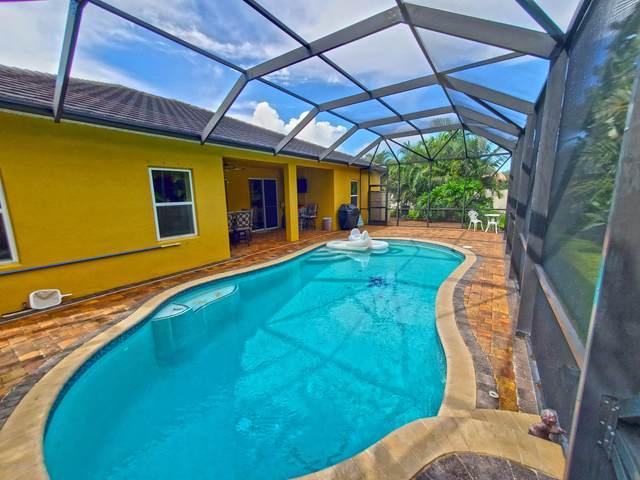 738 Mandalay Grove Court, Merritt Island, FL 32953 (MLS #885111) :: Blue Marlin Real Estate