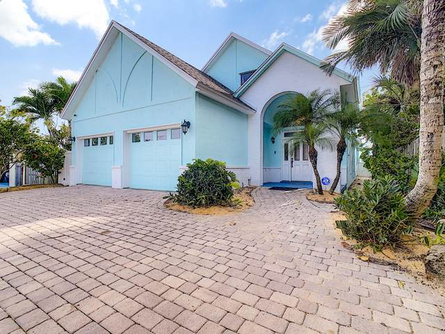 823 S Atlantic Avenue, Cocoa Beach, FL 32931 (MLS #886001) :: Engel & Voelkers Melbourne Central