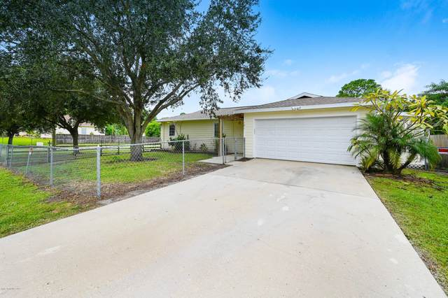 181 SW San Luis Street SW, Palm Bay, FL 32908 (MLS #886893) :: Premium Properties Real Estate Services