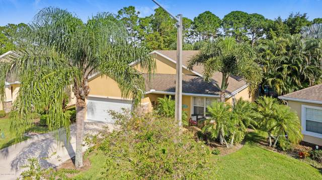 461 Waterside Circle, Titusville, FL 32780 (MLS #887825) :: Premium Properties Real Estate Services