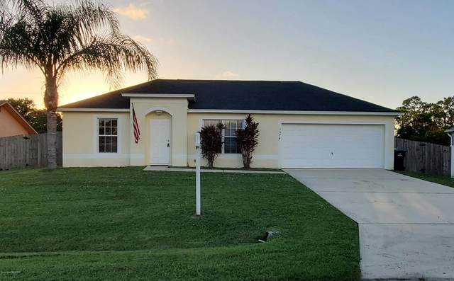 1574 NW Glencove Avenue NW, Palm Bay, FL 32907 (MLS #888538) :: Blue Marlin Real Estate