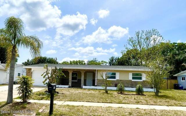 915 Lois Lane, Titusville, FL 32780 (MLS #900062) :: Premium Properties Real Estate Services