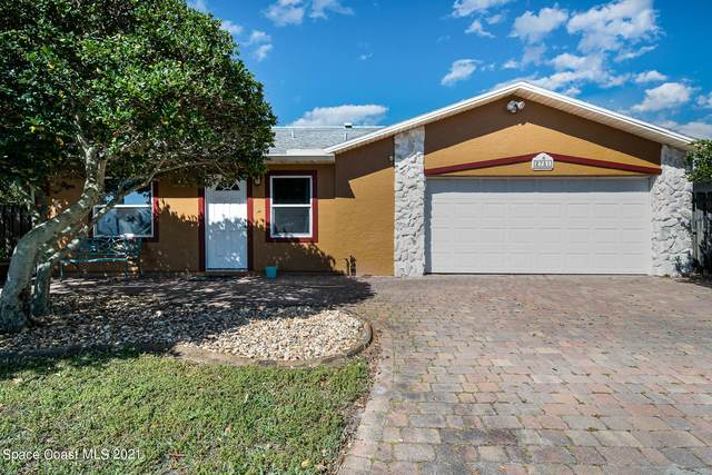 2751 College View Drive, Melbourne, FL 32935 (MLS #900181) :: Blue Marlin Real Estate