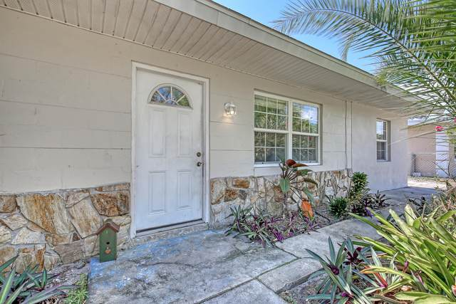 2566 1st Avenue NE, Palm Bay, FL 32905 (MLS #900536) :: Blue Marlin Real Estate