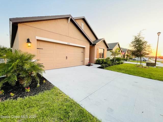 3727 Loggerhead Lane, Mims, FL 32754 (MLS #902111) :: Premium Properties Real Estate Services