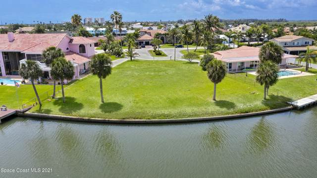 161 Saint Croix Avenue, Cocoa Beach, FL 32931 (MLS #903216) :: Blue Marlin Real Estate