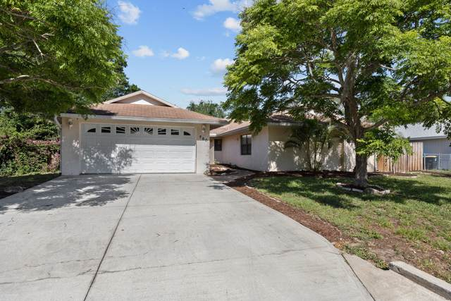 780 Cayuga Avenue NE, Palm Bay, FL 32905 (MLS #903908) :: Premium Properties Real Estate Services
